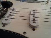 Guitarra Strato Challenger preta c/afinador (usada) - SKP